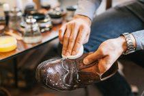 Как убрать старый крем с кожаной обуви