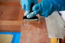Как удалить лак с мебели без зашкуривания