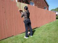 Какой краской лучше красить деревянный забор