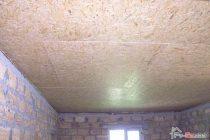 Чем покрасить потолок из ОСБ на даче