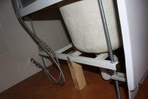 Как закрепить душевую кабину чтобы не шаталась